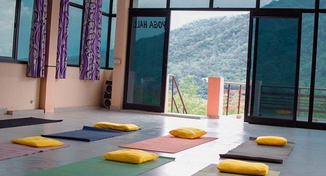 yoga-hall-avatar-yoga-school-rishikesh